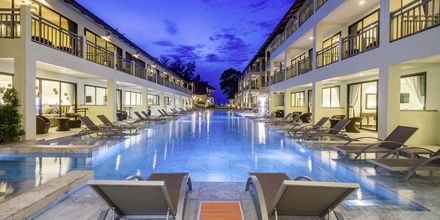 Allas, hotelli Hive Wing by Khaolak Emerald. Khao Lak, Thaimaa.