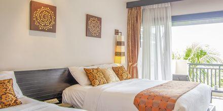 Deluxe-huone. Hotelli Horizon Karon Beach Resort Club Wing, Phuket, Thaimaa.