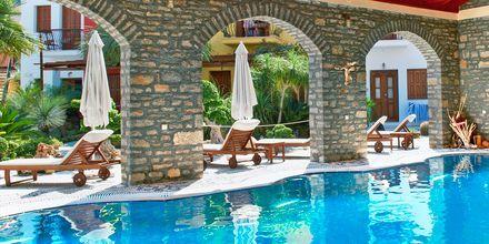 Allas. Hotelli Iapetos Village, Symi, Kreikka.