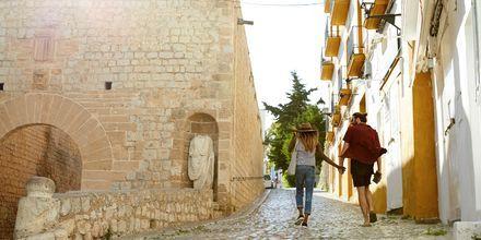 Ibiza sopii niin lapsiperheille kuin kaveriporukoillekin.