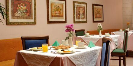 Ravintola, Hotelli Ideon, Rethymnonin kaupunki, Kreeta, Kreikka.