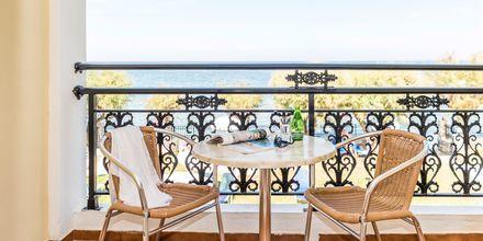 Kahden hengen huoneen parveke. Hotelli Iliessa Beach, Argassi, Zakynthos, Kreikka.