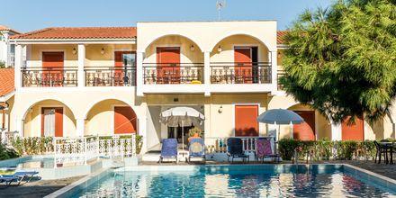 Huone allasnäkymällä. Hotelli Iliessa Beach, Argassi, Zakynthos, Kreikka.