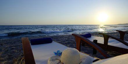 Ranta, hotelli Ionian Theoxenia. Kanali, Kreikka.