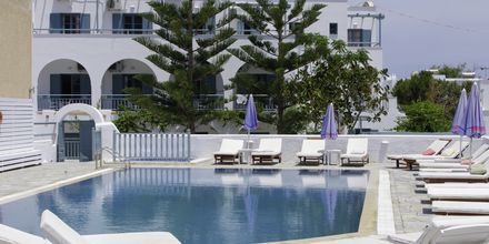 Allas. Hotelli Iris, Kamari, Santorini.