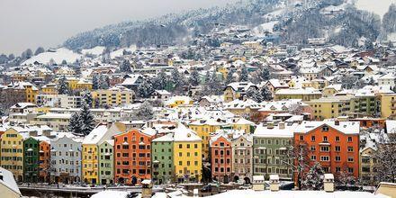 Ihana talvimaisema Innsbruckissa, Itävallassa.