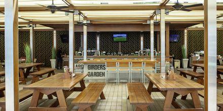 Ravintola Girdens Sports Bar, Hotelli JA Ocean View, Dubai, Arabiemiraatit.