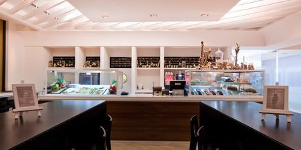 Kahvila, Hotelli JA Ocean View, Dubai, Arabiemiraatit.
