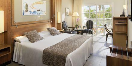 Kahden hengen huone, hotelli Jardines De Nivaria. Costa Adeje, Teneriffa.