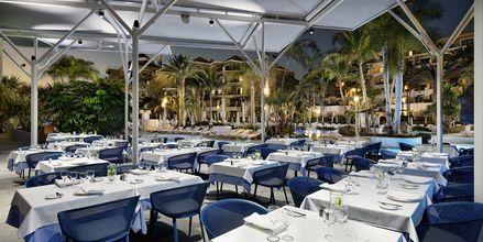 A la carte -ravintola, hotelli Jardines De Nivaria. Costa Adeje, Teneriffa.