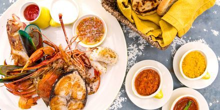Lankalaista ruokaa, hotelli Jetwing Sea. Negombo, Sri Lanka.