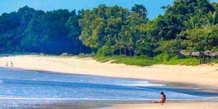 Rentoja päiviä rannalla. Jimbaran, Bali.