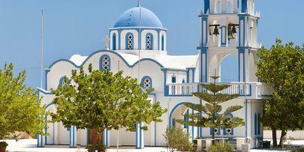 Kirkko. Kamari, Santorini, Kreikka.