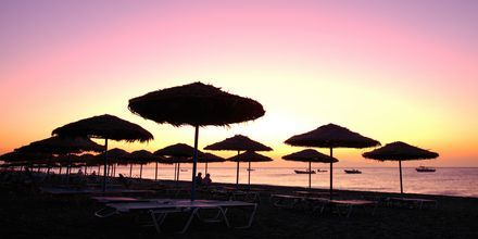 Auringonlasku. Kamari, Santorini, Kreikka.
