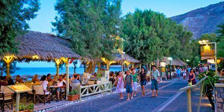 Rantakatu. Kamari, Santorini, Kreikka.
