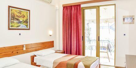 Kahden hengen huone. Hotelli Kaonia, Saranda, Albania.