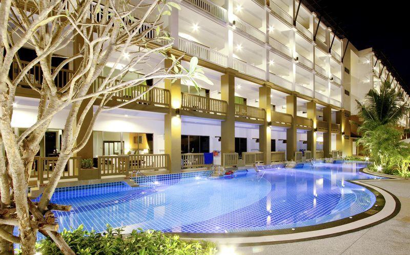 Kata Sea Breeze Resort - Kesä