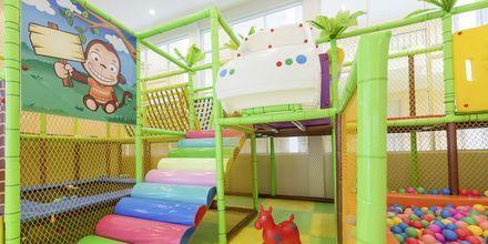 Lastenkerho, Hotelli Katathani Phuket Beach Resort & Spa, Phuket, Thaimaa