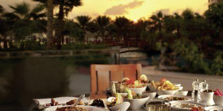 Ravintola, Hotelli Khalidiya Palace Rayhaan, Abu Dhabi.