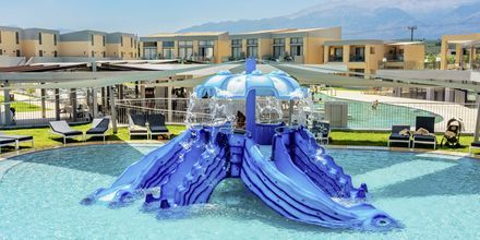 Lastenallas. Hotelli Kiani Beach Resort, Kalives, Kreeta.
