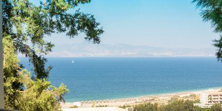 Hotellin läheinen ranta, hotelli Kipriotis Aqualand, Psalidi, Kos.