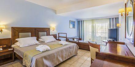 Juniorsviitti, Hotelli Kipriotis Maris Suites, Kos, Kreikka.