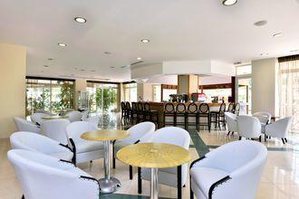 Nectar baari, Hotelli Kipriotis Maris, Kos, Kreikka.