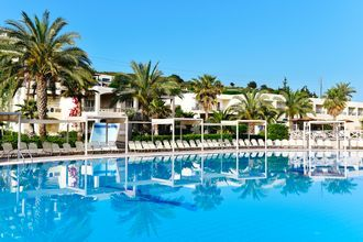 Allasalue, Hotelli Kipriotis Maris Suites, Psailidi, Kos, Kreikka.