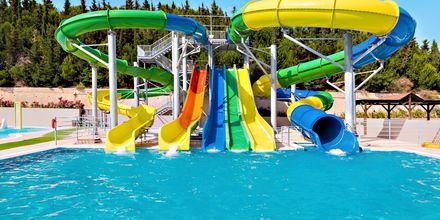 Vesipuisto (lisämaksusta) hotelli Kipriotis Panorama Aqualandissa. Psalidi, Kos, Kreikka.