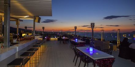 Red Sky Bar, Hotelli Kipriotis Panorama Hotell & Suites, Kos.