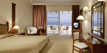 Kahden hengen huone, Hotelli Kipriotis Panorama Hotell & Suites, Kos.
