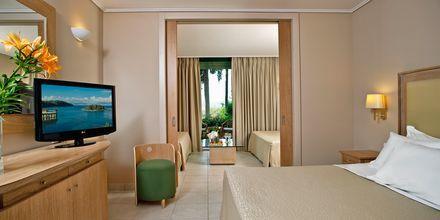 Perhehuone, Hotelli Kontokali Bay, Korfu, Kreikka.
