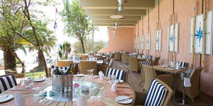 Ravintola, Hotelli Kontokali Bay, Korfu, Kreikka.