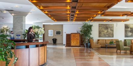 Vastaanotto, Hotelli Kontokali Bay, Korfu, Kreikka.