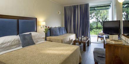 Kahden hengen huone. Hotelli Kontokali Bay, Korfu, Kreikka.