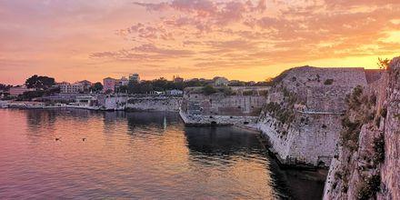 Satama, hotelli Gold Island. Alanya, Turkki.