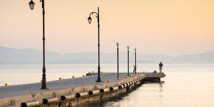 Kävele pitkin rantakatua ja nauti auringonlaskusta.