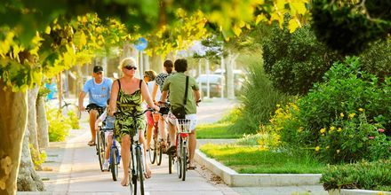 Pyöräile Kosin kaupungissa,