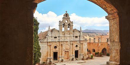 Arkadi-luostari sijaitsee heti Rethymnonin ulkopuolella.