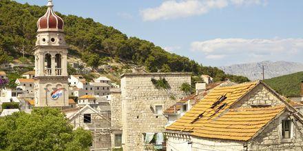 Kaupunki on tunnettu kivisillasta.