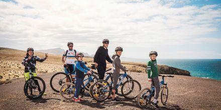 Aktiiviset perheet viihtyvät hotellissa La Pared – powered by Playitas, Fuerteventura.