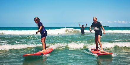 Surffikoulu, hotelli La Pared – powered by Playitas, Fuerteventura.