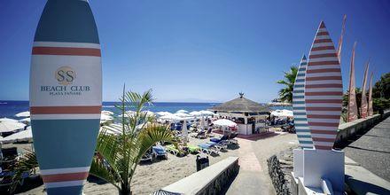Rantaklubi. Hotelli Lagos de Fañabé, Playa de las Americaksen lähellä, Teneriffa.