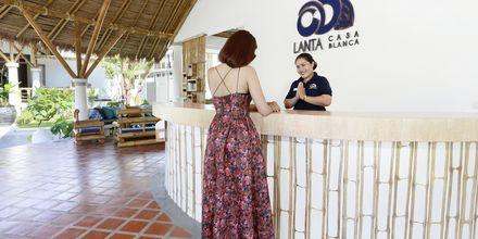 Vastaanotto, hotelli Lanta Casa Blanca. Koh Lanta, Thaimaa.