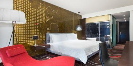 Deluxe -huone, hotelli Le Meridien Saigon, Vietnam.