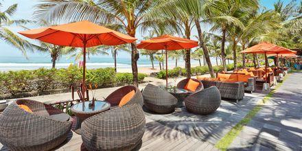 Ravintola Ole Beach Bar, hotelli Legian Beach. Kuta, Bali.