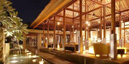 Aula, hotelli Legian Beach. Kuta, Bali.