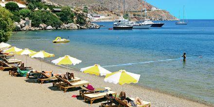 Saarelta löytyy useita kauniita rantoja. Leros, Kreikka.