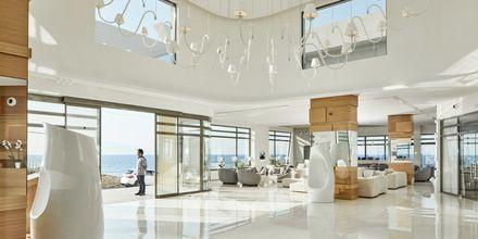 Loungebaari. Hotelli Lesante Blu Exclusive Beach Resort, Tragaki, Zakynthos.