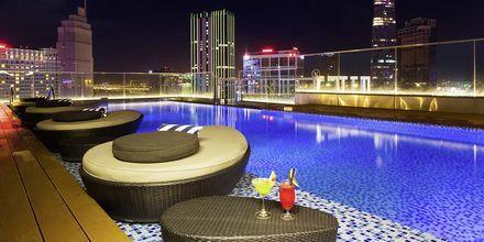 Allas hotellin kattoterassilla, Liberty Central Saigon Point, Saigon, Vietnam
